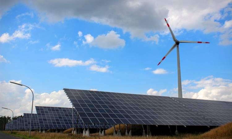 بفضل العاصفة بيلا.. 50 % من طاقة كهرباء بريطانيا من الرياح