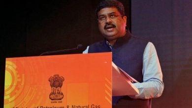 Photo of الهند تريد استئناف شراء النفط من إيران وفنزويلا