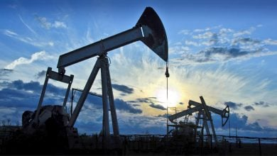 "Photo of النفط يقلّص مكاسبه وأنظار المستثمرين تتّجه نحو حوافز""المركزي الأوروبي"""