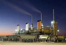 Photo of الكويت تغلق آبارًا نفطية لخفض إنتاجها إلى 2.24 مليون برميل يوميًا