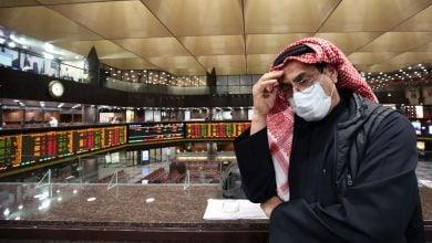 Photo of كورونا والنفط يدميان بورصات الخليج في الربع الأوّل