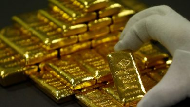 Photo of الذهب يهبط مع صعود الدولار والفتح التدريجي للاقتصادات