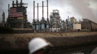 """Photo of أنس الحجي يكتب لـ""""الطاقة"""" الخيارات الأميركية لإنقاذ النفط الصخري: أسمع جعجعة ولا أرى طحنًا!"""
