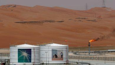 """Photo of مقال – أنس الحجي يكتب لـ""""الطاقة"""": متى ينضب النفط السعودي؟"""