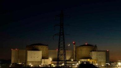 Photo of بعد 43 عامًا.. فرنسا تغلق أقدم محطّاتها النووية