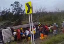 Photo of فيديو: مقتل 11 و جرح 52 حاولوا سرقة البنزين من صهريج مقلوب في كولومبيا