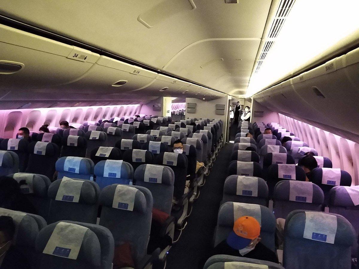 رؤساء شركات الطيران يطالبون باستئناف حركة النقل الجوي بين أميركا وأوروبا
