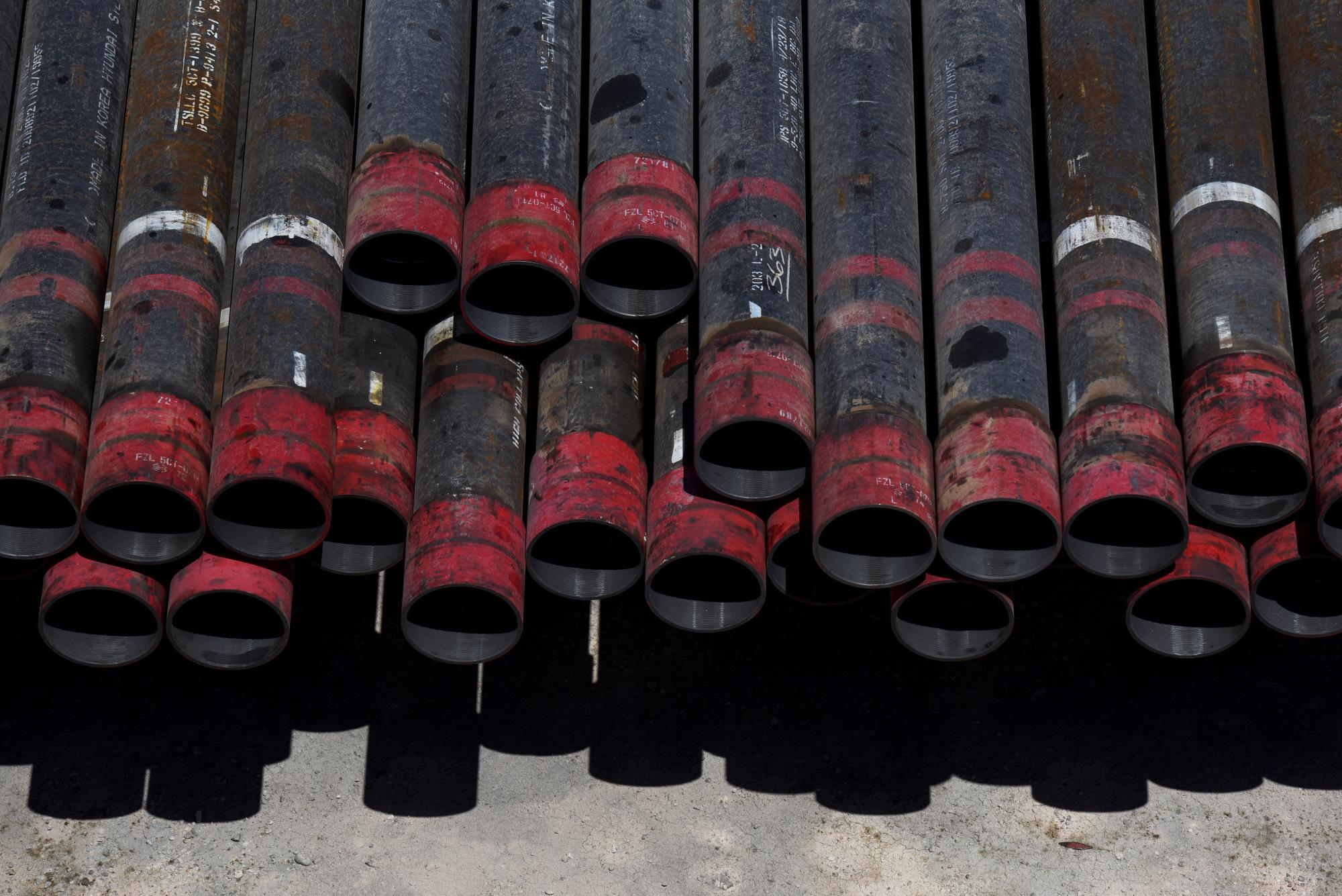 تهاوي أسعار النفط أجبرت على السعي لهيكلة ديونها