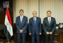 """Photo of تأكيداً لانفراد الطاقة..كهرباء مصر توقع مع """"شنايدر إليكتريك"""" اتفاقية تنفيذ مراكز التحكم"""