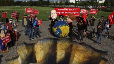 Photo of نشطاء المناخ غاضبون بعد تصويت ألمانيا على خروج الفحم المطوّل