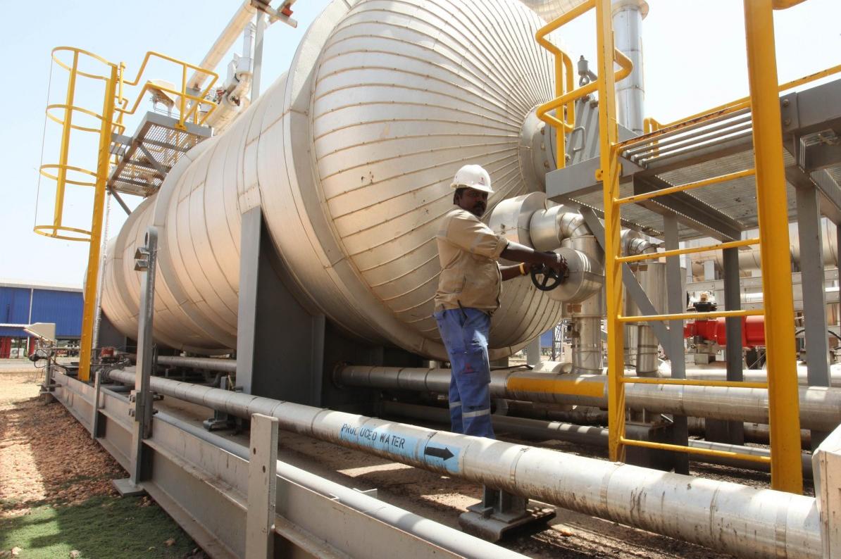 معاناة خاصة لـ جنوب السودان من انهيار أسعار النفط - عائدات النفط