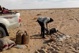 باحثون عن الذهب في الصحراء الجزائرية