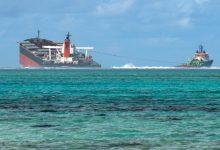 Photo of أسوأ كارثة بيئية في موريشيوس.. تحطّم السفينة المتورّطة بحادث التسرّب النفطي