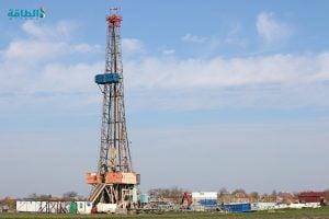 حفار بأحد حقول النفط الصخري في أميركا