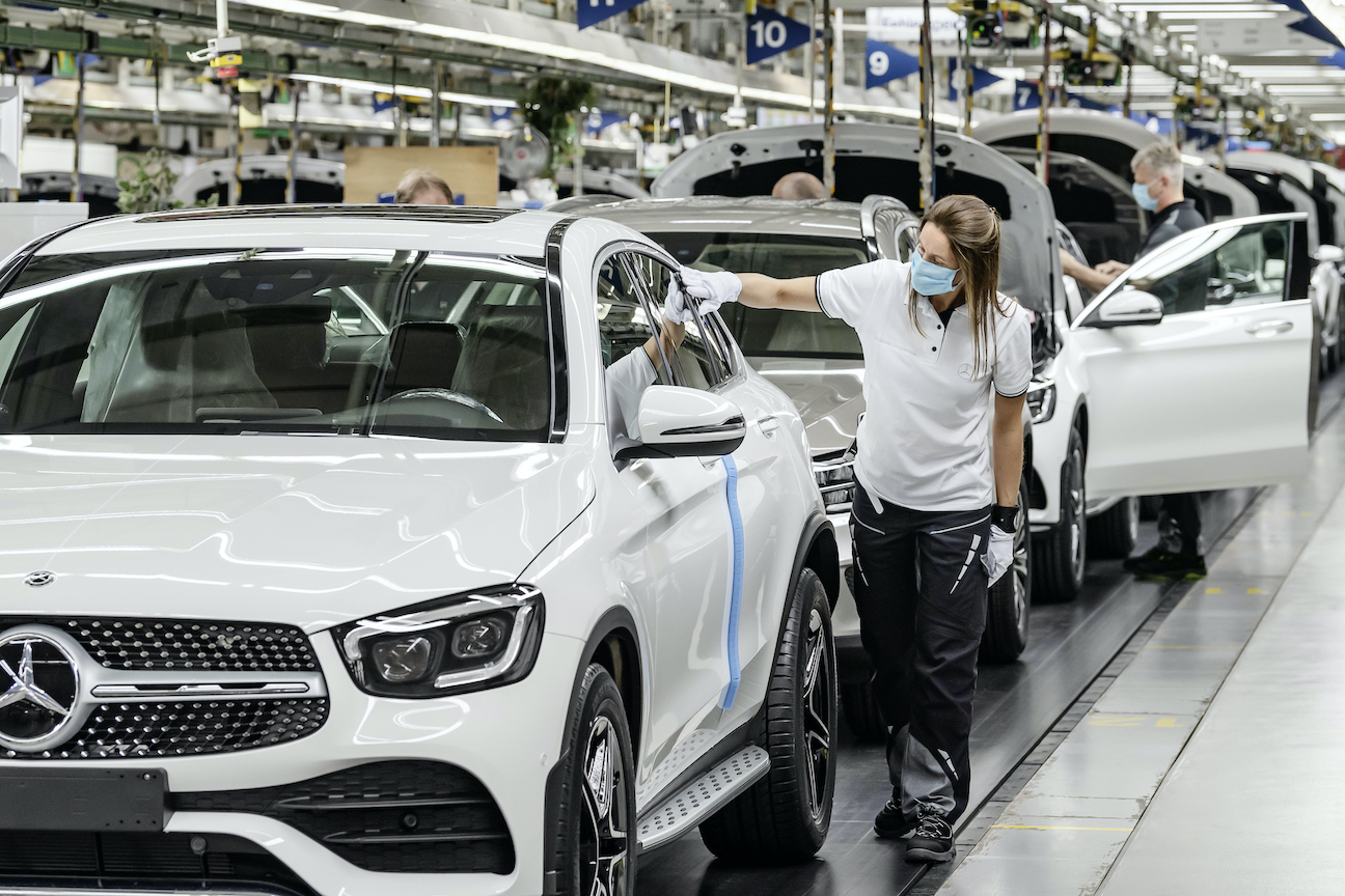 خط إنتاج من شركة مرسيدس الألمانية