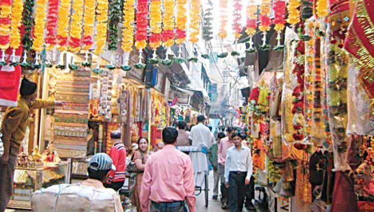 تراجع ثقة المستهلك الهندي في يوليو إلي أدني مستوي