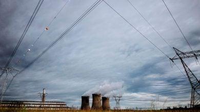 Photo of جنوب إفريقيا تتوقّع جذب 2.3 مليار دولار استثمارات بمجال الطاقة