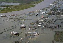 Photo of إعصار لورا.. مئات الآلاف من الضحايا ربّما يُمضون أسابيع دون كهرباء