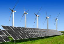 Photo of توربينات الرياح والألواح الشمسية تنتج رقمًا قياسيًا من الكهرباء في العالم