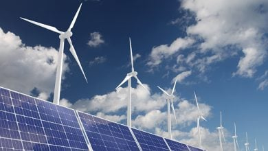 "Photo of ""آر دبليو إي"" تجمع 2.4 مليار دولار لدعم توسّعاتها في الطاقة المتجدّدة"