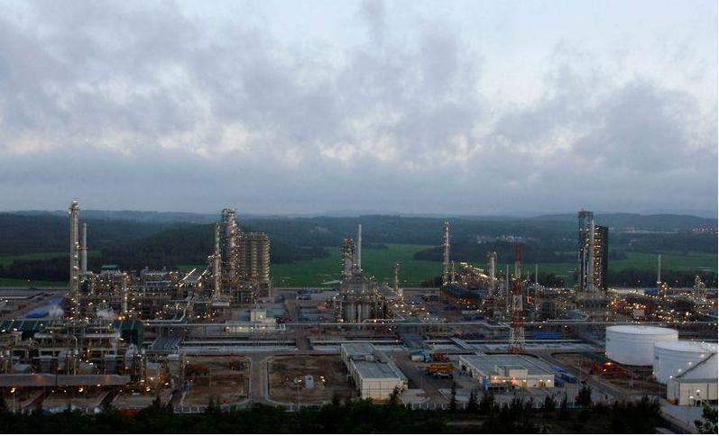 مصنع لتكرير النفط بوسط فيتنام