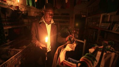 Photo of لهذا السبب.. زيمبابوي تقطع إمدادات الكهرباء خلال ساعات الذروة
