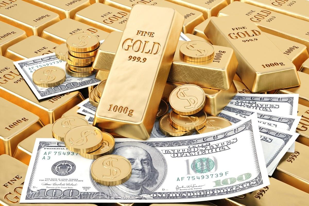 انخفاض الدولار يدفع اسعار الذهب للارتفاع