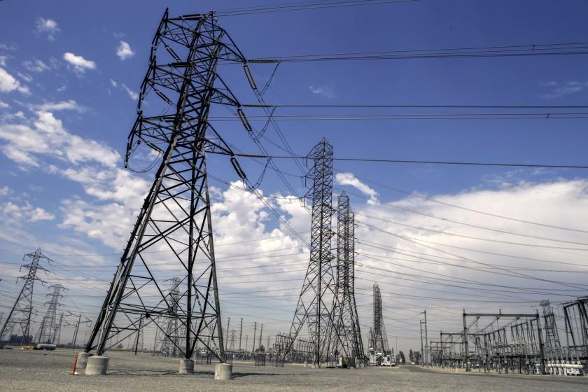 انقطاع التيار يضرب شبكة كهرباء كاليفورنيا