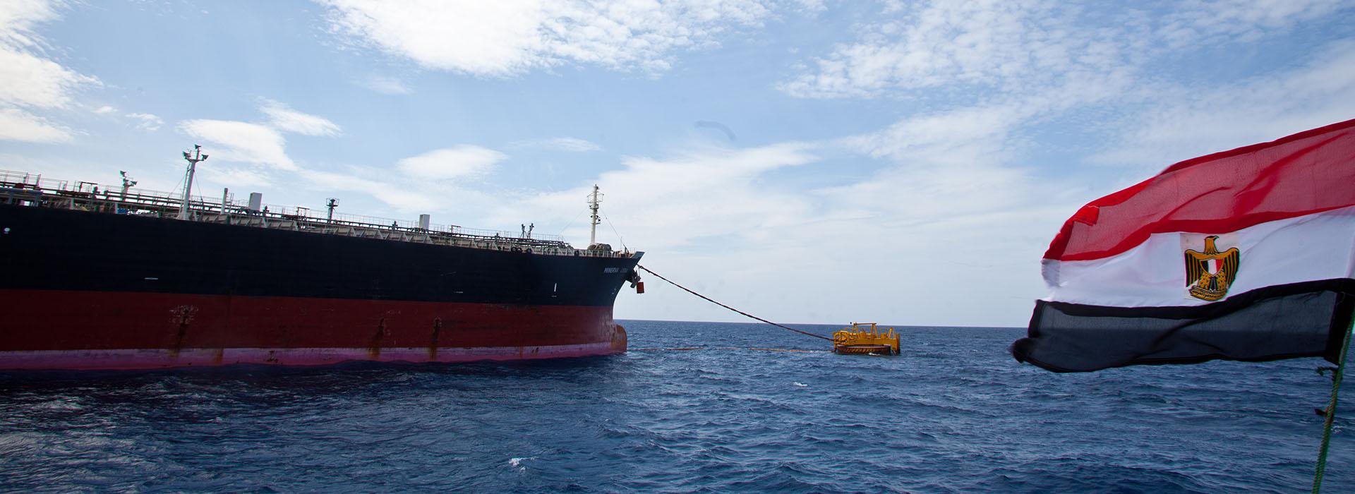 ميناء الحمراء ويقع على بعد 120 كيلومترا غرب الاسكندرية.. وتديره شركة بترول الصحراء الغربية