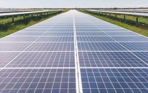 الطاقة الشمسية + نفايات الطاقة الشمسية