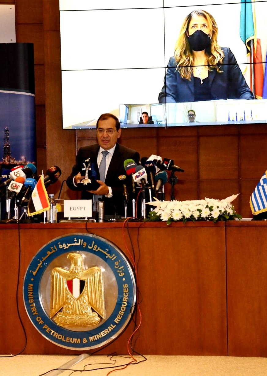 طارق الملا وزير البترول والثروة المعدنية المصرى فى كلمته خلال مراسم التوقيع