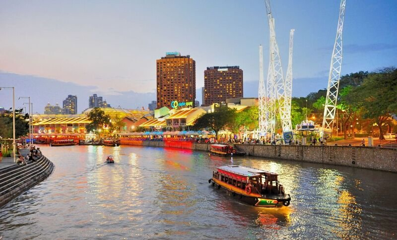 قوارب في سنغافورة - أرشيفية