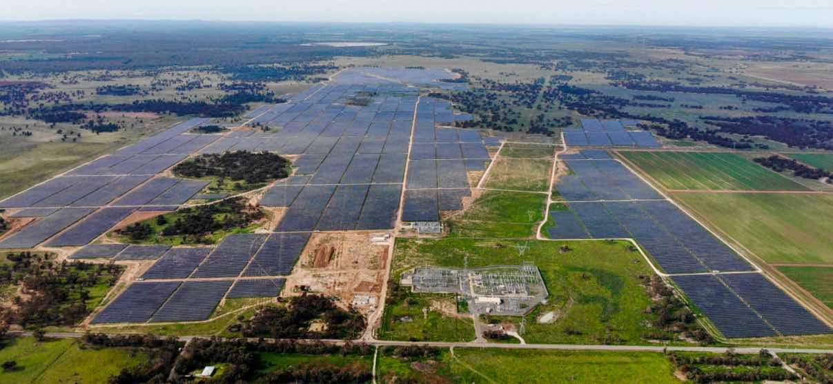 مزرعة للطاقة الشمسية في أستراليا
