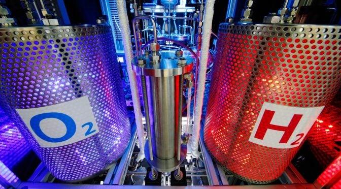 إنتاج الهيدروجين - تخزين الهيدورجين الأخضر