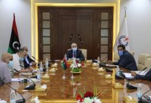 "Photo of ""النفط الليبيّة"" تبحث جاهزية شركة الزاوية لاستئناف التشغيل"