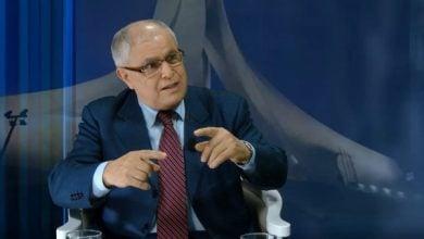 Photo of وزير الطاقة الجزائري: التحدّيات الراهنة تتطلّب التحرّر من التبعية للنفط