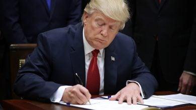 Photo of قرار أميركي بشأن موقف الألواح الشمسية من الرسوم الجمركية