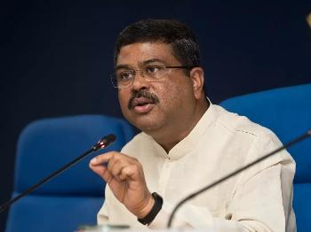 وزير النفط الهندي دارمندرا برادان