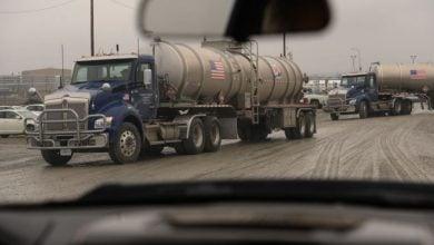 Photo of تدنّي الأسعار يجعل وظائف النفط المفقودة في طيّ النسيان