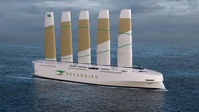 Photo of قصّة أكبر سفينة شحن في العالم تعمل بطاقة الرياح (فيديو)
