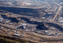 Photo of كندا تبحث عن بديل للنفط والغاز يضمن استقرار الميزان التجاري