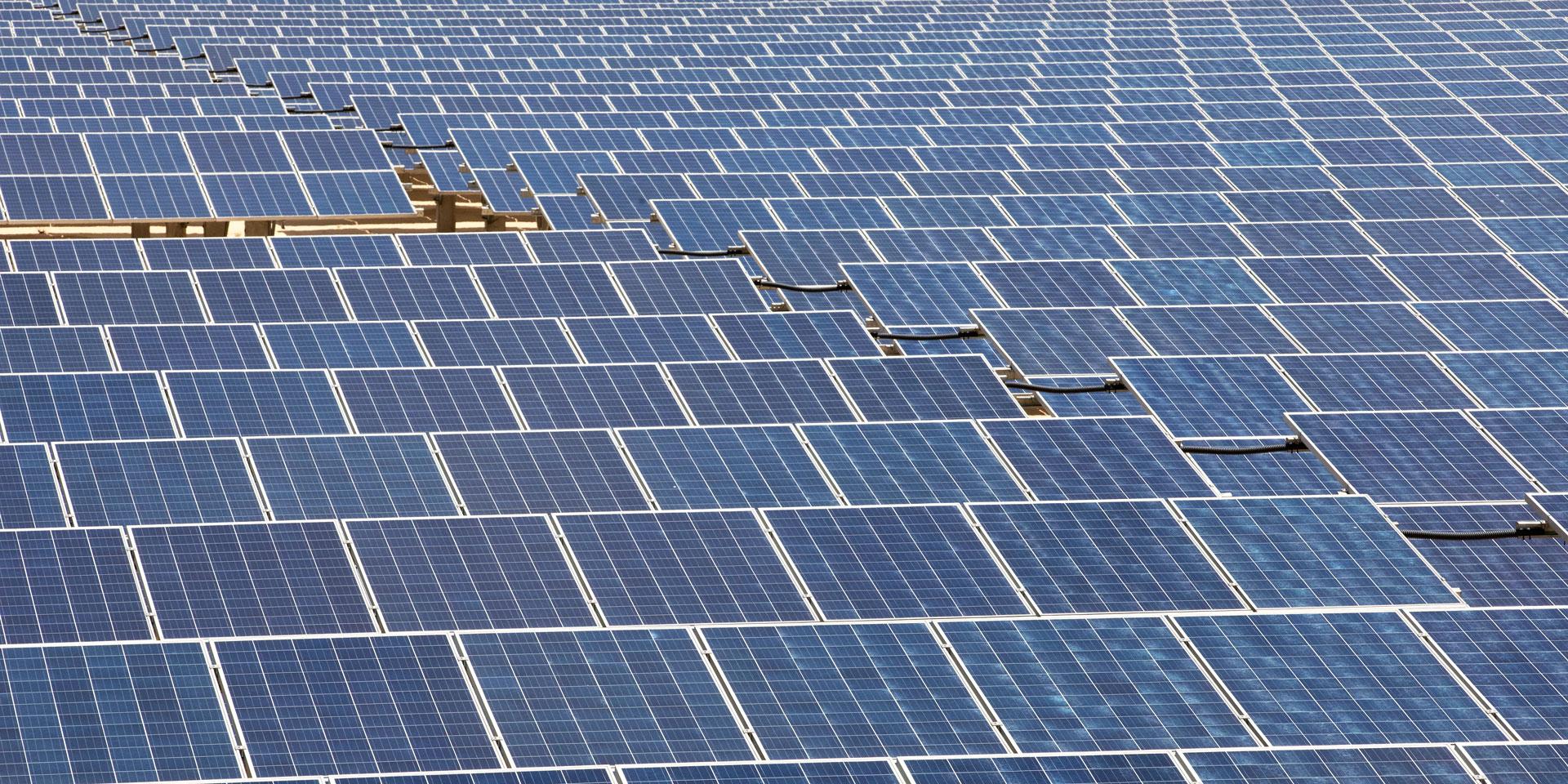 إنتاج الكهرباء من المحطات الشمسية