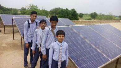 Photo of إضاءة 1000 مدرسة بالطاقة الشمسية في الهند