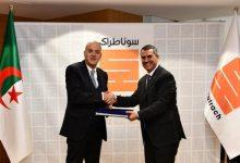 Photo of اتّفاق بين سوناطراك وإيني لتطوير أكبر حقل نفطي في الجزائر