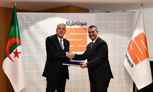 سوناطراك - حكار وديسكالزي بعد التوقيع على الاتفاقية - الصورة من وكالة الأنباء الجزائرية