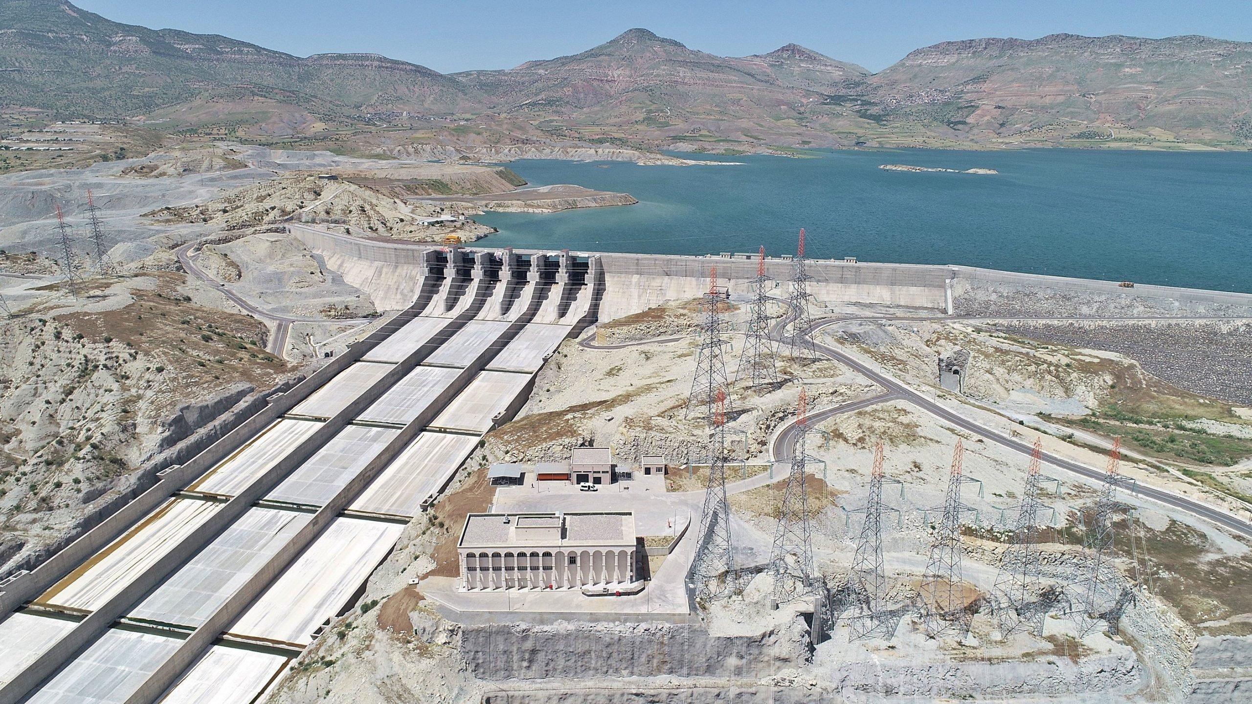 اعتراضات عراقية على توليد تركيا الكهرباء من سد إليسو