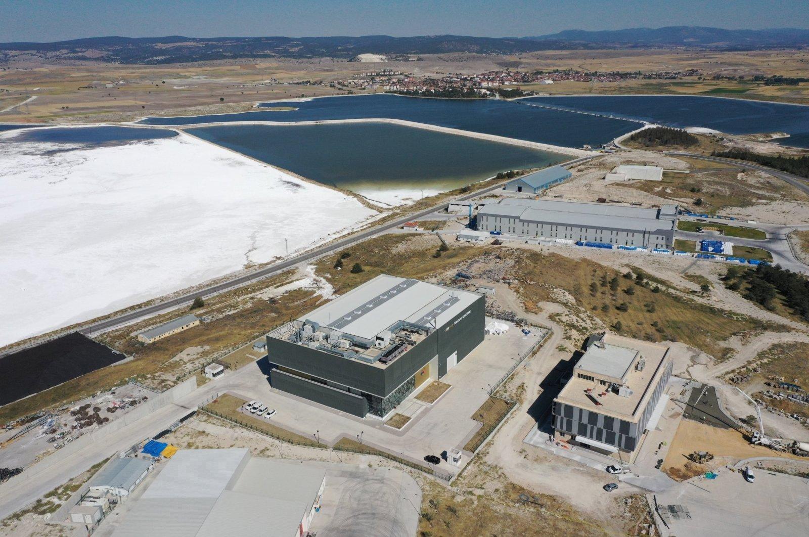 تركيا والليثيوم والسيارات الكهربائية