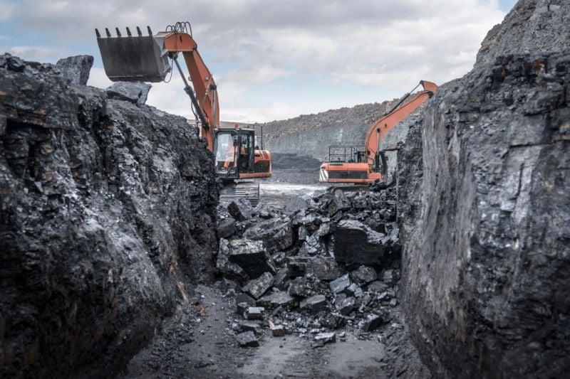 حظر استهلاك الكهرباء بعد ارتفاع سعر الفحم