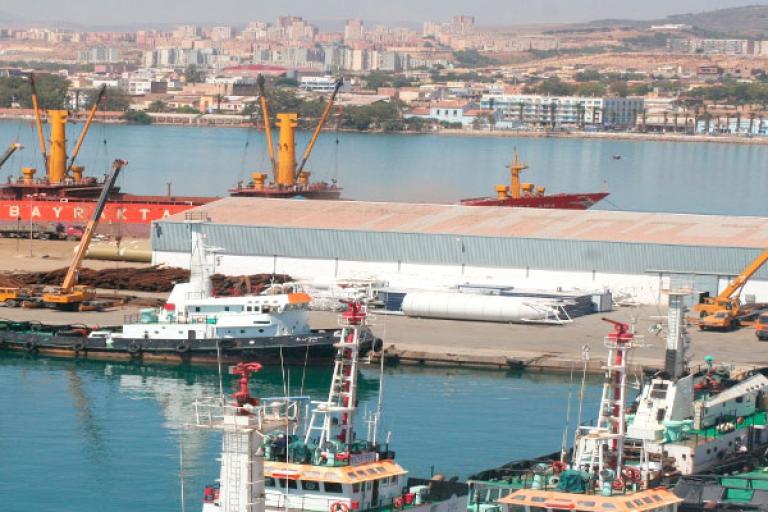 مرفأ النفط ميناء أرزيو الجزائري