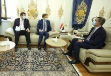 Photo of وزير النفط العراقي يبحث مشروعات التعاون مع بريطانيا